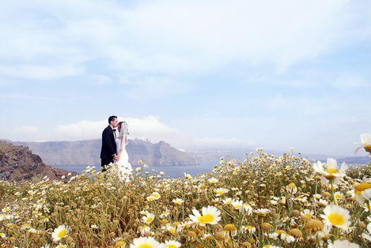 Wedding photo shoot in Santorini #santoriniweddingphotography #honeymoonphotographysantorini http://evarendl.com/