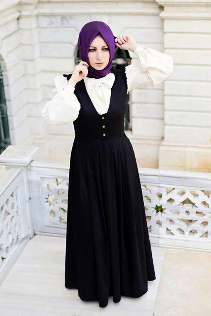 Tesettür giyimi tercih eden bayanların tesettüre uygun olarak rahatlıkla kullanabilecekleri Kübra Biriktir tasarımı jile, yazlık gabardin kumaştan 145 cm boyunda üretilmiştir.