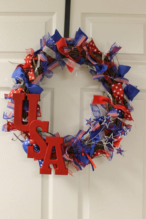 Corona patriótica casera para decoración del 4 de Julio  -  Homemade 4th of July Decorations, Patriotic Wreaths