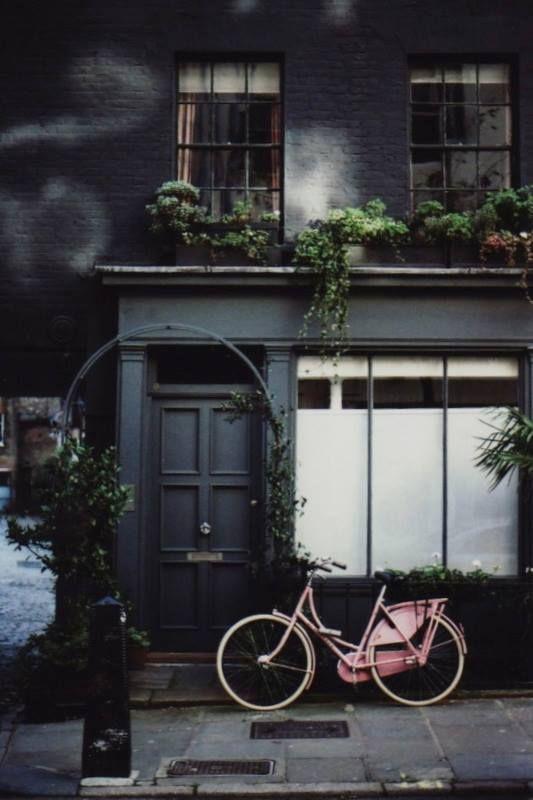 London -★-