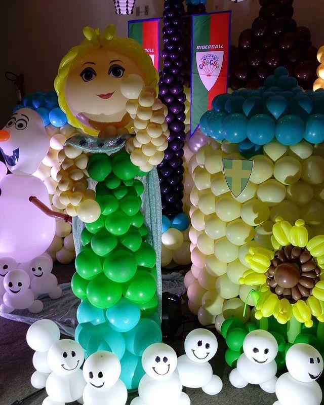 Aula Frozen Fiver ministrado por Tunico Oliveira em Goiania. Organizacao @ovidiabraz Cristal Festas patrocinio Riberball Baloes Pic Pic.  Iluminacao: @uniproducao  #frozenfiver #decoracaoemgoiania #decoracaocomqualidade #artecombaloes #elsa #esculturacombaloes #tunicooliveira #cristalfestas #baloespicpic #sevenstarsballoons #festainfantil #festamenina