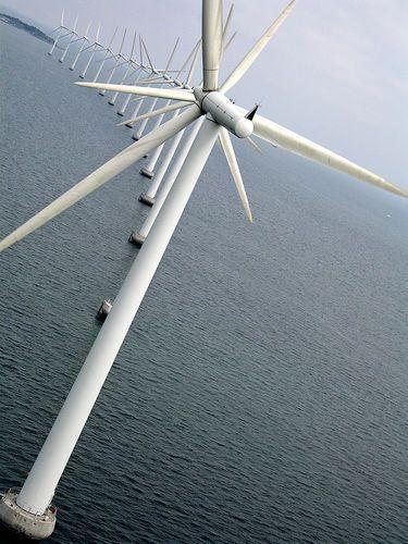 De windmolens staan voor duurzaam. Dit is wat de LED verlichting onderscheid van de normale verlichting.