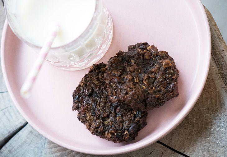 Disse cookies med sorte bønner er usædvanligt gode - saftige, søde og mættende - mine børn er vilde med dem og opskriften får I her