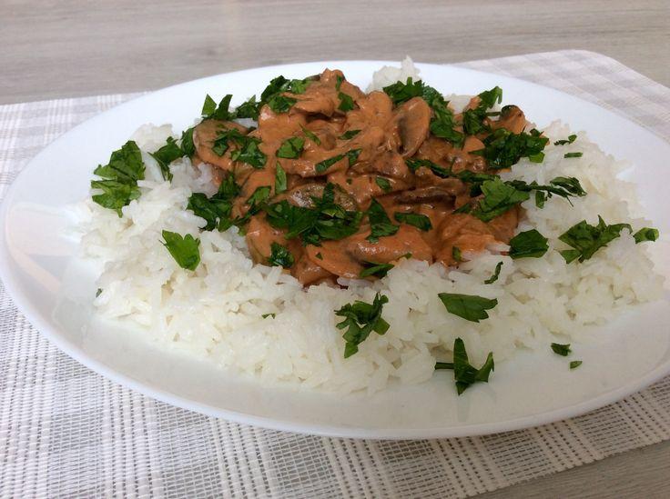 Hovězí Stroganov s rýží