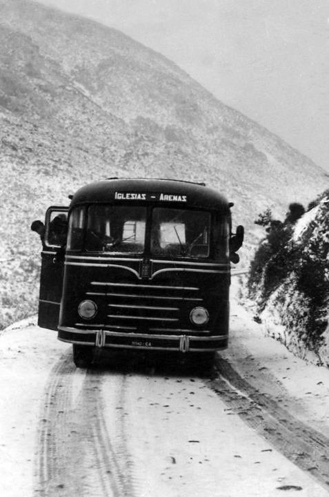 Bus per Iglesias :in difficoltà sulla neve, evento rarissimo al sud della Sardegna.