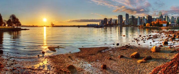 Doğa ve şehir yaşamının birbiriyle uyum içerisinde olduğu Vancouver, ziyaretçiler tarafından sıkça tercih edilen tatil noktalarından bir tanesidir. #Maximiles #Amerika #şehirrehberi #KuzeyAmerika #Vancouver #gezilecekyerler #görülecekyerler #seyahat #gezi #travel #America #yolculuk #LatinAmerika #turistikyerler #doğa #doğamanzaraları #şehirmanzarası