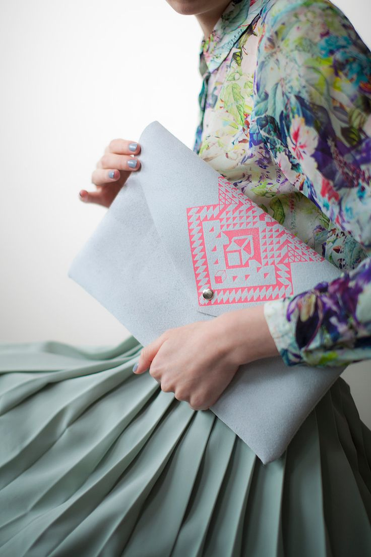 envelope clutch, pattern, mint