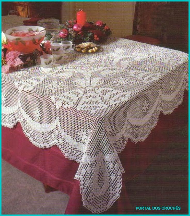 Toalha de mesa em crochê de filé.