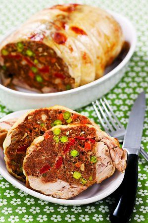 Pečená kuřecí roláda plněná mletým masem