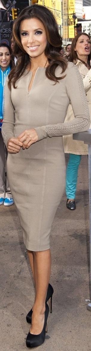 Eva Longoria ... nice dress