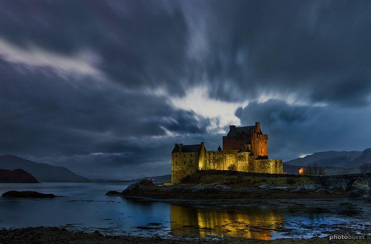 Eilean Donan Castle in Scotland.Romantic Castles, Glasgow Scenery, Eilean Donan Castles, Eilean Castles, Places I D, Irish Castles, Magic Castles, Castles Highlands, Castles Scotland