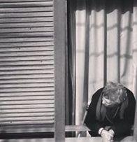 Donna greca alla finestra!