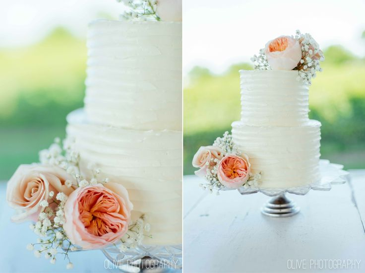 Peony and baby's breath cake topper, rough icing, simple rustic wedding cake - Olive Photography | www.olivephotography.ca | Toronto & GTA wedding photographer