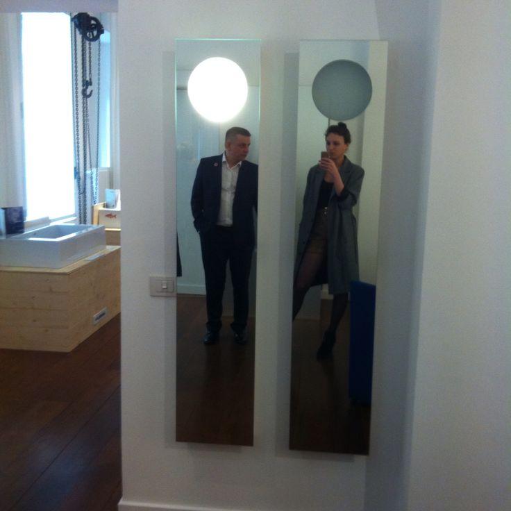 """Настоящее открытие - не поиск новых земель, это взгляд на мир новыми глазами / Марсель Пруст / .  Таков лозунг новой кампании #Flaminia , обозначившей 60-летие ее присутствия на рынке, представленной на #milandesignweek2015 #fuorisaloni .  Коллекция раковин Acquagrande, каждая со своим характером, расписана 1 из 10 приглашенных дизайнеров и архитекторов из разных стран получили название """"Variazioni"""". #smalta #smaltaitaliandesign #coffeeproject #coffeeandproject #furniturestyle…"""