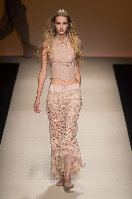 Alberta Ferretti ready to wear spring summer 2015. Gipsy style.