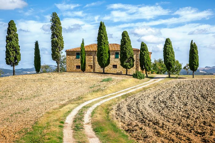 We look at the final stages of the sale when buying a property in Italy