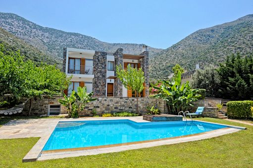 Villas Helios & Melissa are the ideal accommodation for a family holiday, for a group of friends or for romantic getaways in Bali, Rethymnon, Crete island, Greece. The villas are detached from each other, separated by natural stonewalls,