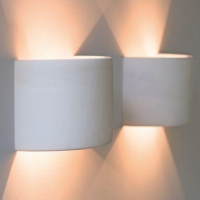 Halbzylinder für Wandbeleuchtung bei Torquato.de - Kann Problemlos mit Putz oder Wandfarbe überdeckt werden. Dieser Halbzylinder aus Keramik sorgt...
