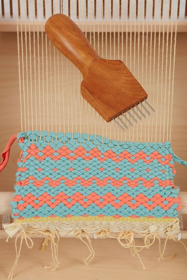 In A Krokbragd Weaving The Design Emerges Only Through Tightly Compacting The Weaving A Krokbragd Is A Weft Faced Weave And Hand Weaving Weaving Yarn Crafts