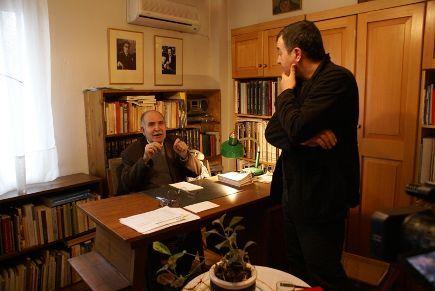 Ο Ντίνος Χριστιανόπουλος βάζει στη θέση του το υπεραρχίδι Σταύρο Θεοδωράκη. Απολαυστικότατη συνέντευξη.