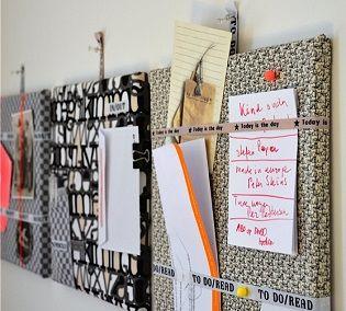 zo hee, dat ruimt op! Hang deze zelfgemaakte borden boven je buro, en je hebt ineens overzicht. Kijk voor meer ideeen op creatief-met-labels-en-lint.nl