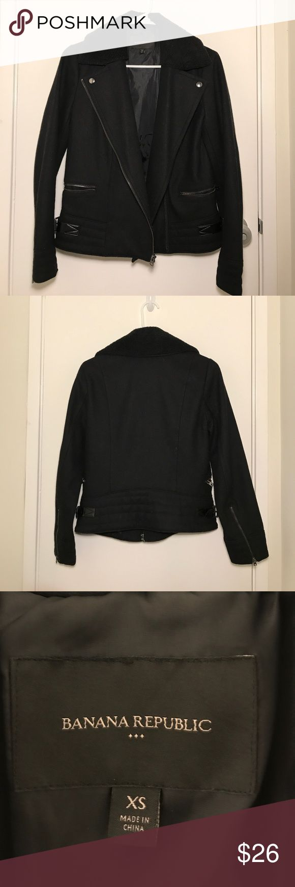 Banana Republic wool blend moto jacket Banana Republic wool blend moto zip jacket in black, size XS. Zipper and belt detail. Fully lined. Removable sherpa collar. Excellent condition, worn only twice. Banana Republic Jackets & Coats