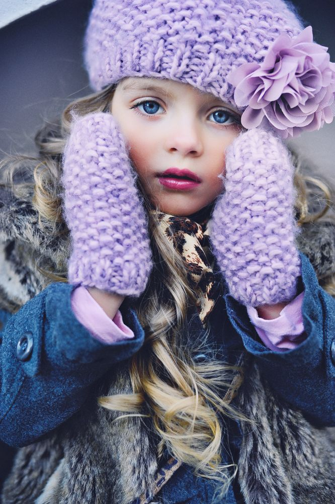 Beautiful The gloves and hat are pretty the little girl is so beautiful I wish I could PAINT HER LITTLE FACE