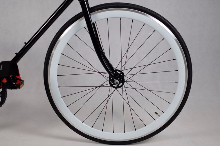 White Deep V 40mm Machined Rims built for fixie bikes and single speed bikes, 120 mm rear spacing, tires and tubes included