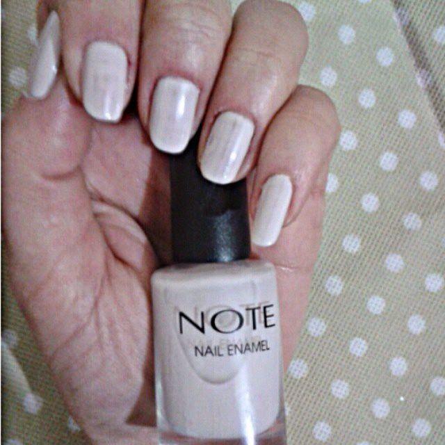 Note Nail Enamel Bej (beige nail polish) oje yazısı