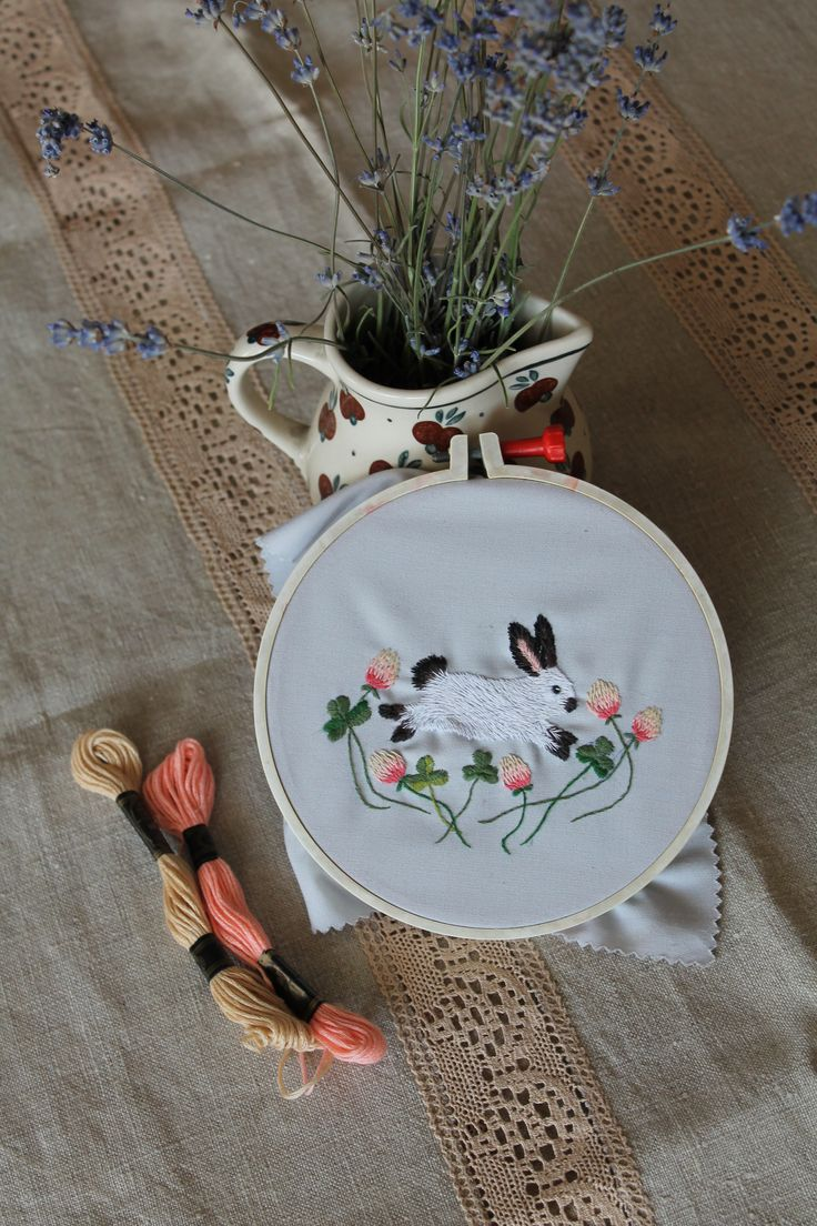 Embroided californian bunny rabbit with clovers <3