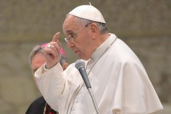 """El Papa Dice Que Es Una """"Injusticia"""" Que Los Profesores Estén Mal Pagados"""