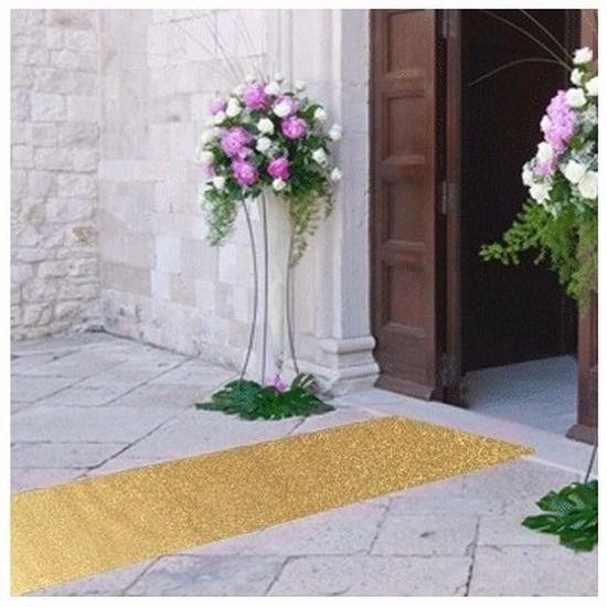Gouden glitter loper, 3 meter lang. De gouden loper heeft een breedte van 1 meter. De lopers zijn gemaakt van ongeveer 3 mm dik tapijt.