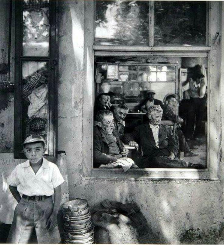 Kartal'da bir kahvehane 1956