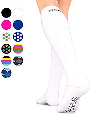 9684591ba2 Amazon.com: Go2Socks GO2 Compression Socks for Men Women Nurses Runners  16-22 mmHg (Medium) - Medical Stocking Maternity Travel - Best Performance  Recovery ...