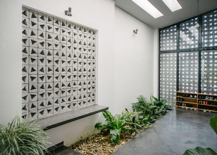 Gallery of KONTUM House / Khuon Studio - 11