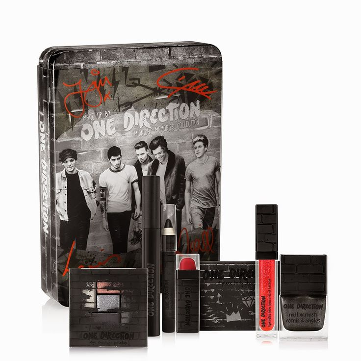 One Direction Makeup Launch and Giveaway! - Click through to enter to win an autographed set of makeup by One Direction! #makeupby1D #thelookscollection #markwins