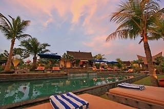 Desa Seni Yoga resort - Lynn says large selection of yoga classes