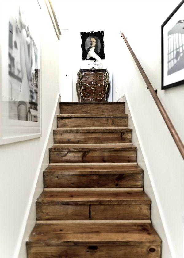 25 beste idee n over behang trappen op pinterest structuur behang geschilderde stoepen en - Hout deco trap ...