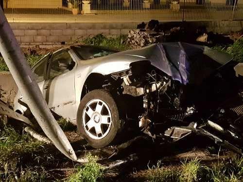 Molise: #Termoli. #Auto si #schianta contro un palo: trauma cranico per una ragazza di 30 anni (link: http://ift.tt/2ngXAOq )