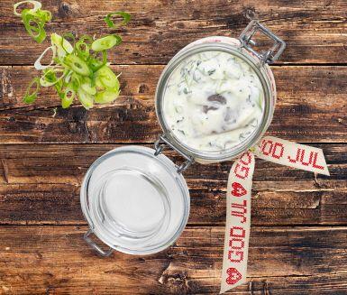 Recept: Sill med lime, salladslök och basilika