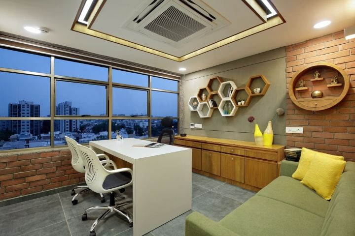Cmarix Technolab Pvt Ltd By Adhwa Architecture Ahmedabad India Retail Design Blog Office Cabin Design Office Interior Design Cabin Interior Design