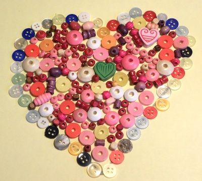 Manualitats infantils amb botons: de la roba al paper #sortirambnens