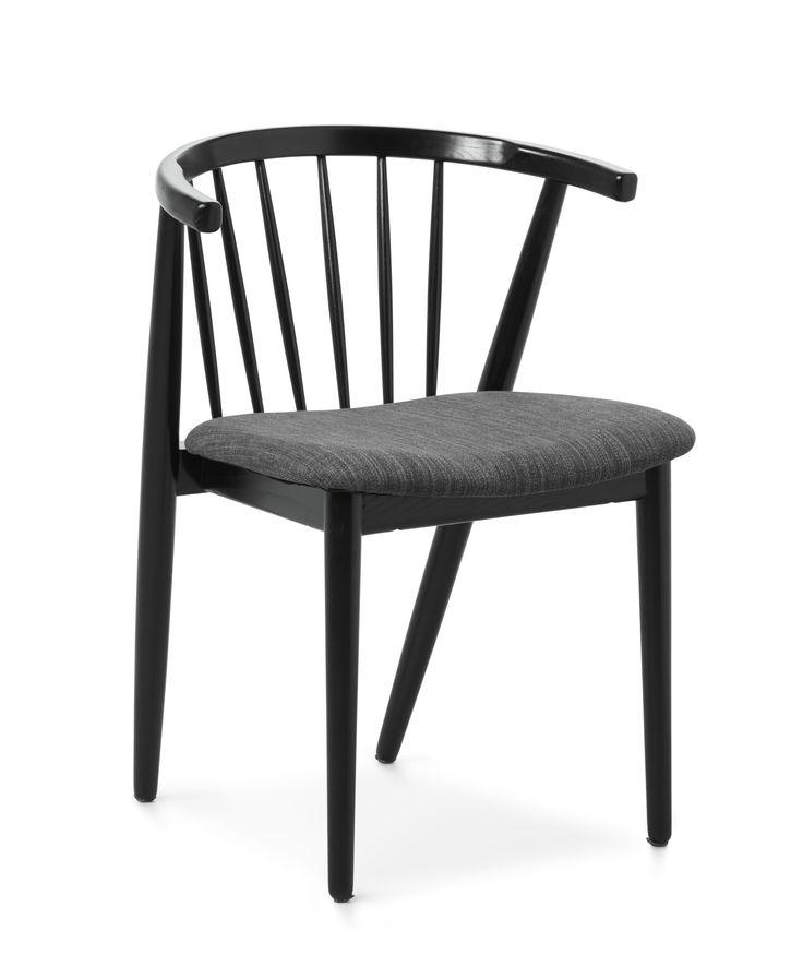 Sixten är en modern skandinavisk stol med ett tilltalande formspråk designad av designerduon Says Who. Den finns i tre färgställningar, vit- eller svartlackerad massiv ask samt oljad massiv ek. Sixten har en tygklädd, lätt stoppad sits och ett rundat ryggstöd vilket ger en fantastisk komfort. Stolen passar mycket bra ihop med många utav våra matbord. Sixten är stolen för dig som både vill sitta riktigt skönt och ha en trendig danskdesignad möbel.