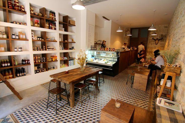 Folks and Sparrows > coffeshop (sandwichs/bagels, pâtisseries américaines, épicerie). A noter, les packagings très travaillés @ 14 Rue Saint-Sébastien, 75011 Paris