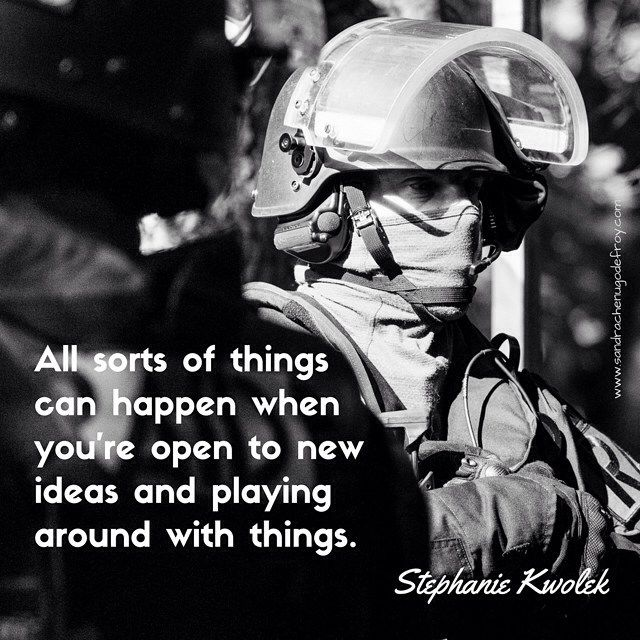 """""""All sorts of things can happen when you're open to new ideas and playing around with things."""" Stephanie Kwolek [Ref:1116-44-0116] Operateurs du RAID #policenationale #RAID #citation #citationdujour #quote #quoteoftheday #kwolek"""