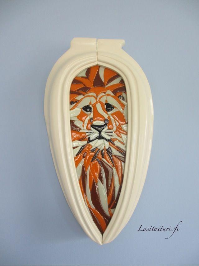 Lasitaiturin Viridarialle valmistama Leijona