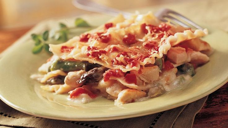 Goldene-verkrusteten Huhn-Spargel-Lasagne