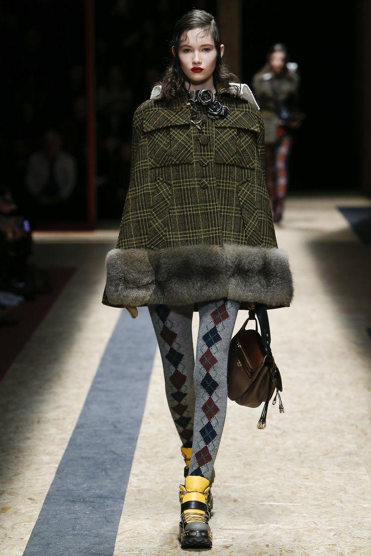 Prada Fall 2016 Ready-to-Wear Collection Photos - Vogue
