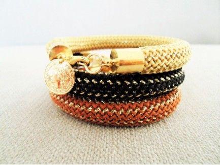 Gold Stripe Thread Bracelet