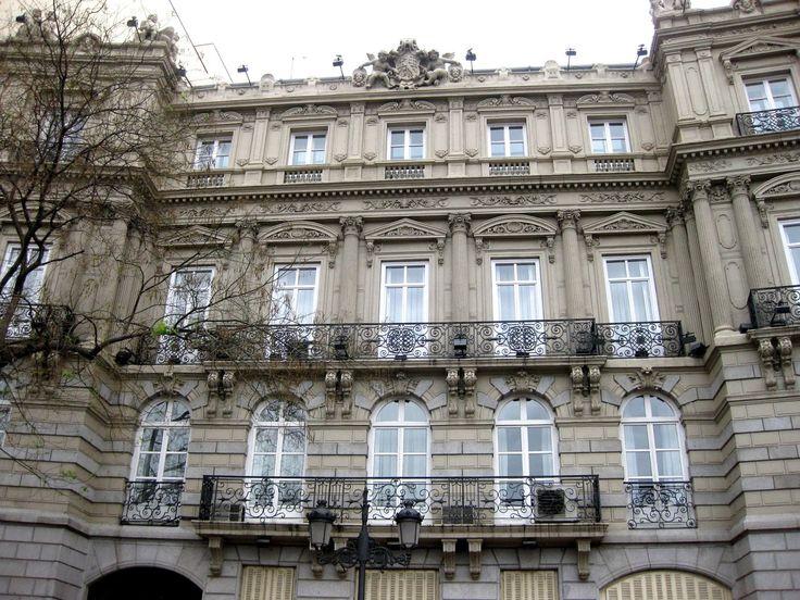 Detalle de la fachada del edificio de la Plaza del Marqués de Salamanca http://elpaisajedemadrid.blogspot.com.es/2013/05/el-desaparecido-hotel-de-roma-y-el.html